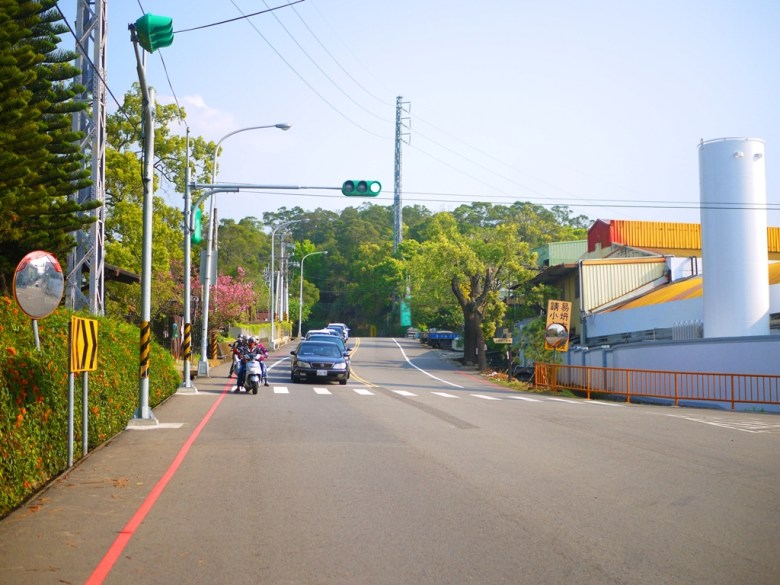 銅鑼工業區旁 | 炮仗花花海 | 八重櫻 | 櫻花公園 | 櫻花隧道 | 銅鑼環保公園 | 銅鑼 | 苗栗 | 一抹和風 | 巡日旅行攝