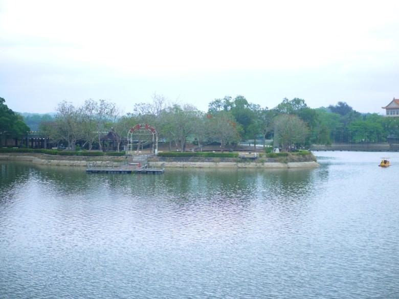 虎頭埤第二碼頭 | 虎月吊橋情人橋所在處 | 搭船遊埤 | 虎頭埤風景區內 | シンホワ | たいなんし | RoundtripJp