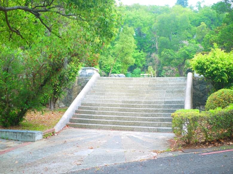 新化神社地下遺構前階梯 | 虎頭埤風景區內 | シンホワ | たいなんし | RoundtripJp
