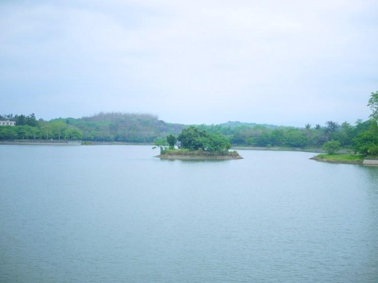 虎頭埤 | 湖面上的小島 | Hu-Tou Pei | 虎頭埤風景區內 | シンホワ | たいなんし | 巡日旅行攝