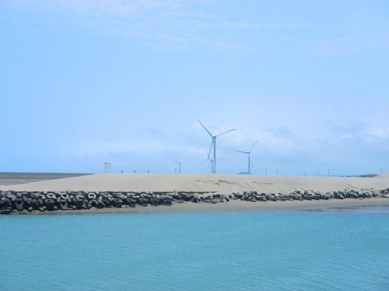 秘境海灘   西海岸風車   綠電風機   湛藍海岸   苑裡   苗栗   和風臺灣   RoundtripJp