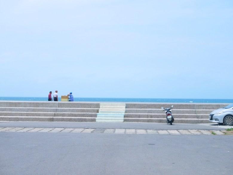 台灣旅人   海岸線   海平線   藍天白雲蔚藍大海   苑港觀光漁港秘境海灘   ユエンリー   ミアオリー   巡日旅行攝