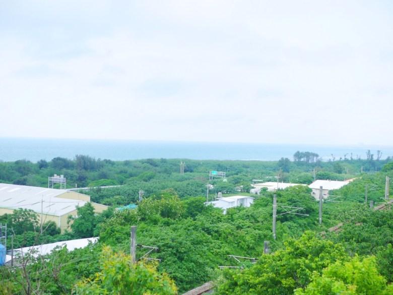 從崎頂觀景台鳥瞰台灣海峽與西部鐵路 | Gi Ding View Platform | チーディン | ジューナン | ミアオリー | 巡日旅行攝