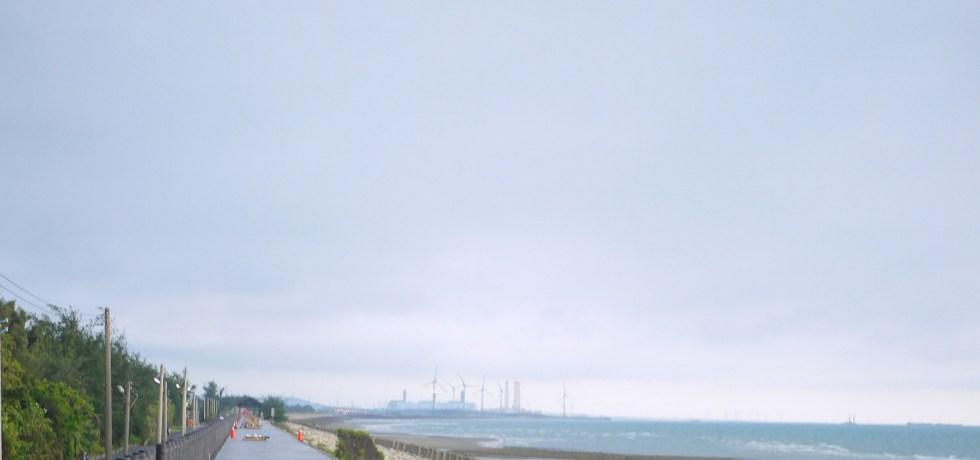 絕美海岸線 | 彷彿日本愛媛下灘車站的感覺 | 新埔駅美麗海岸線 | 濱海車站 | 新埔 | 苗栗 | シンプー | ミアオリー | 巡日旅行攝