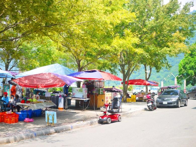 士林假日市集 | 旁邊為小木屋洗手間 | 部落美食 | 高山蔬果 | 原民料理 | タイアン | たいあん | ミアオリー | Wafu Taiwan | 巡日旅行攝 | RoundtripJp