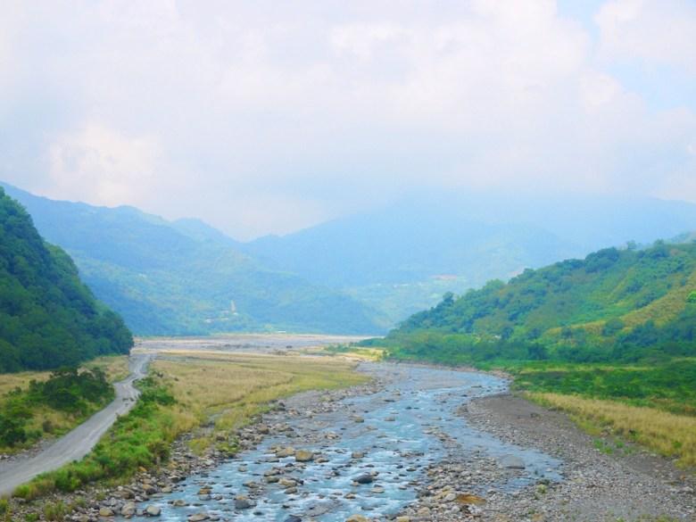 從象鼻吊橋遠眺大安溪與高山之美 | 象鼻村 | 部落絕景 | タイアン | たいあん | ミアオリー | Wafu Taiwan | 巡日旅行攝 | RoundtripJp