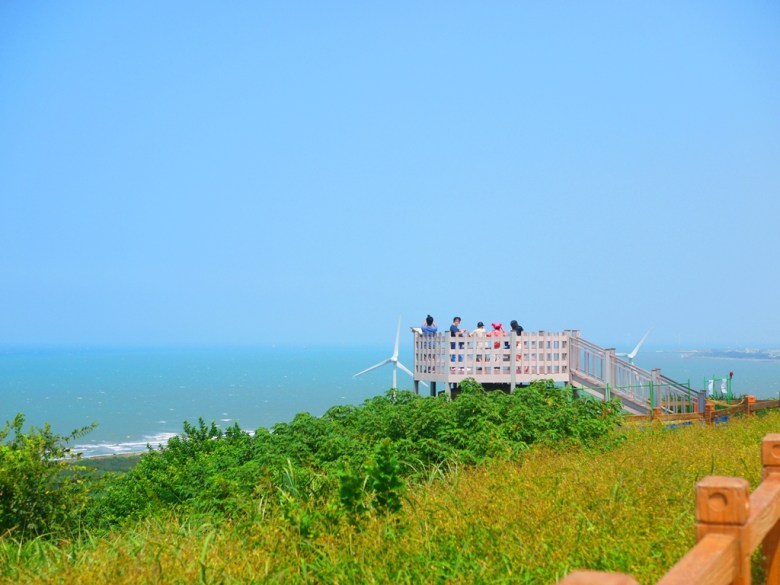百萬海景展望台   可欣賞到台灣火車、沿岸的白色風車、良田美林、青空藍海   ホウロン   こうりゅう   ミアオリーミアオリー   Wafu Taiwan   巡日旅行攝   RoundtripJp