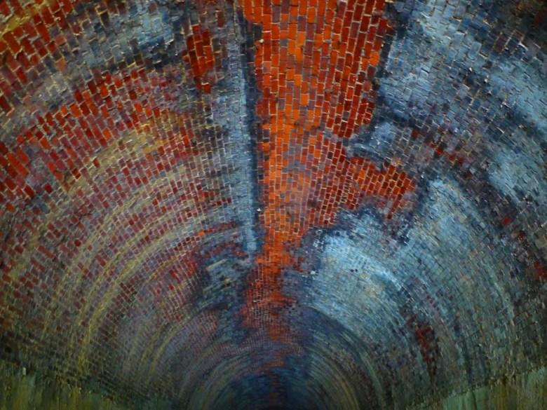 過港舊隧道全貌   被蒸汽火車燃煤燻黑的紅磚隧道   古樸韻味   歷史的痕跡   ホウロン   こうりゅう   ミアオリー   Wafu Taiwan   巡日旅行攝   RoundtripJp