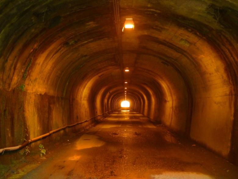 光明隧道 | 雙龍隧道 | 古樸昏黃的燈光 | 幽靜古味 | 草屯 | 南投 | Caotun | Nantou | Wafu Taiwan | 巡日旅行攝 | RoundtripJp