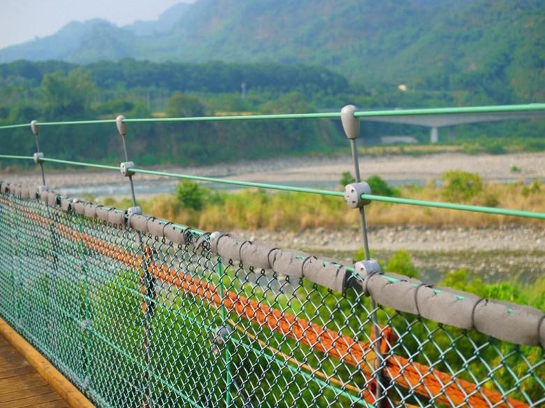 望向烏溪上游可遠眺九九峰美景 | 絕美的吊橋 | 全長360公尺 | Caotun | Nantou | Wafu Taiwan | 巡日旅行攝 | RoundtripJp