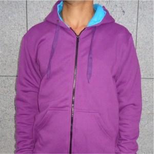 casaco hoodie roxo com azul claro