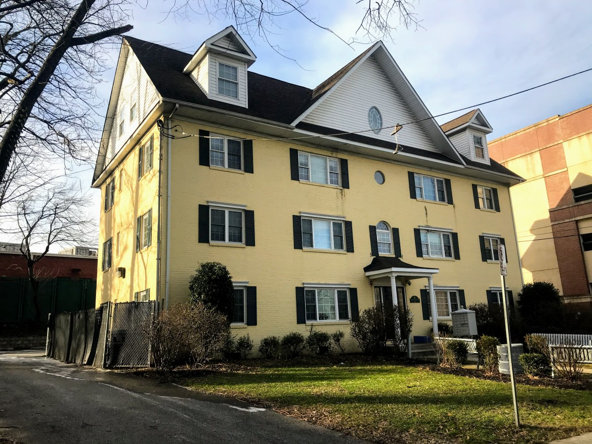 Route 1 property notes: College Park apartments go in