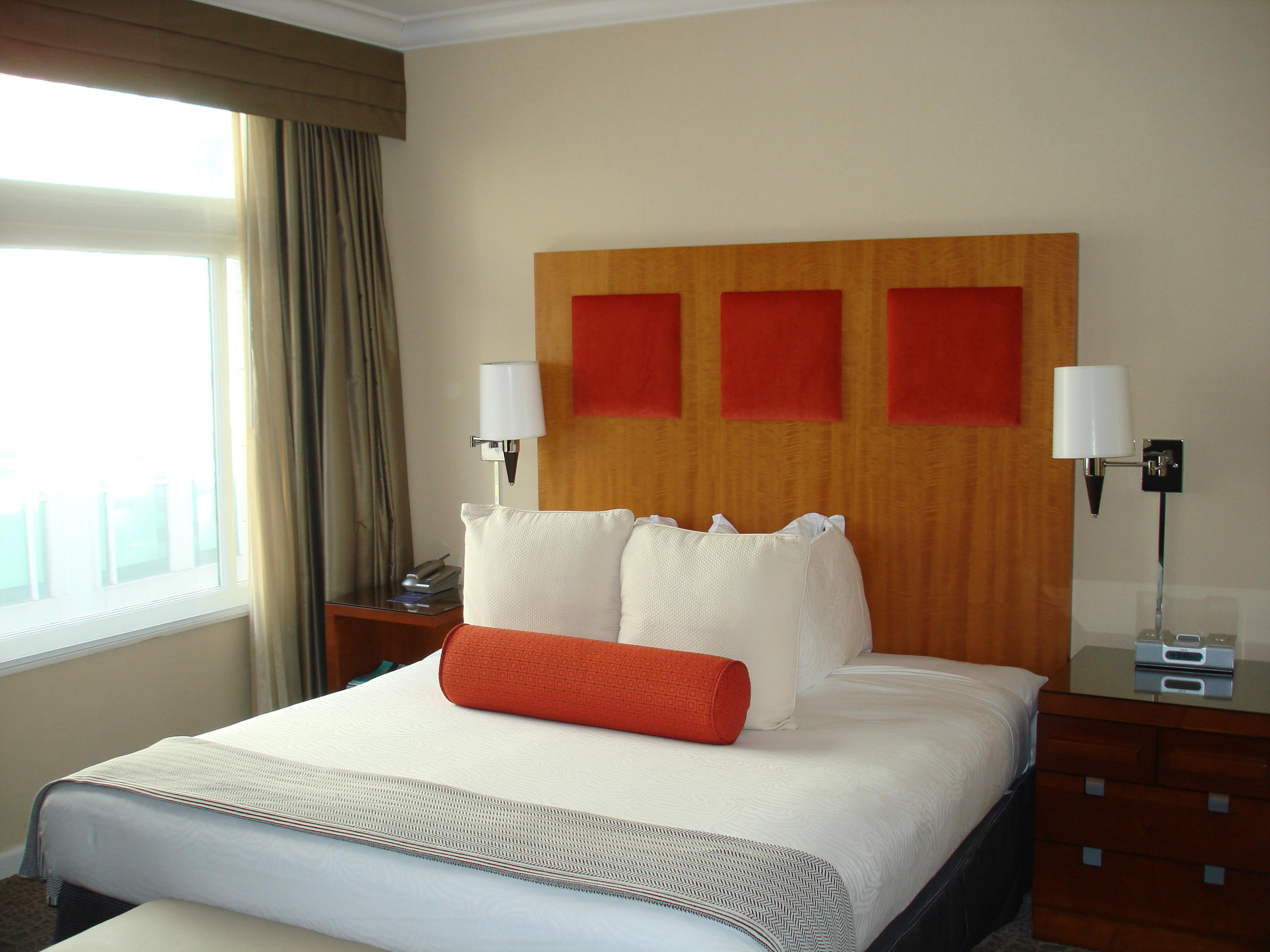 King Bed-Palomar