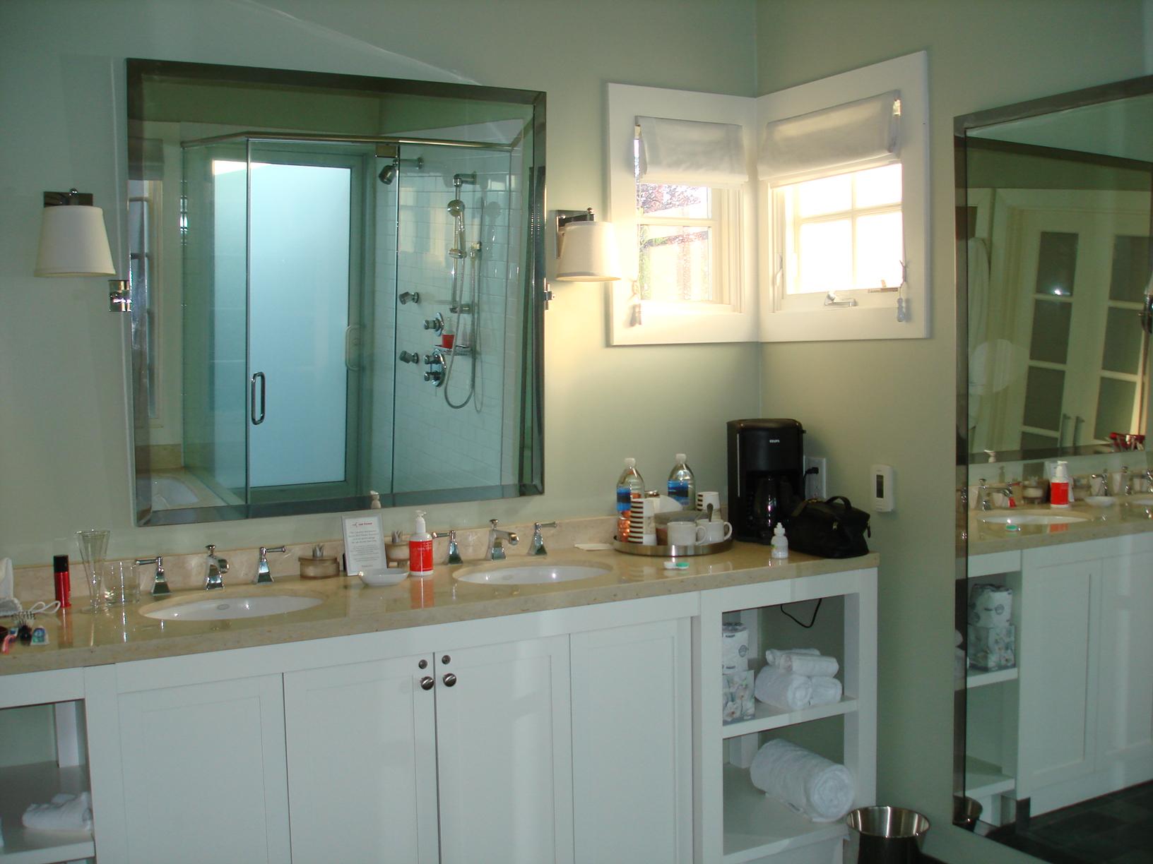 Dual Sink Bathroom