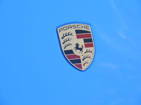 Porsche 918 Emblem