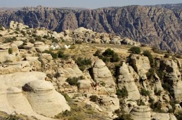 white and red sandstone cliffs of Wadi Dana
