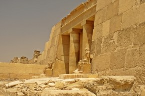 Pyramid of Khufu / the Pyramid of Cheops Up-Close
