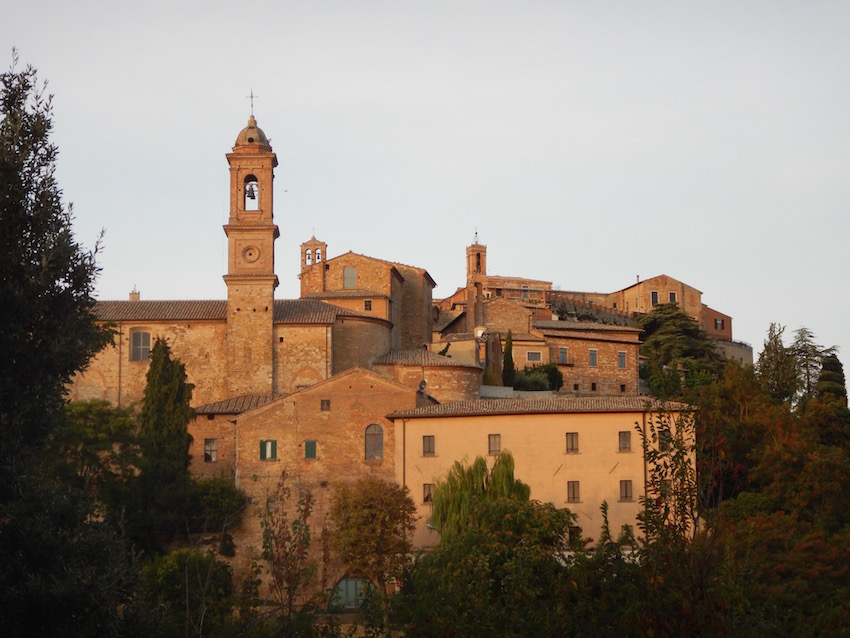 when trying to pick an Italian language school in Italy, consider the Tuscan hilltop town of Montapulciano