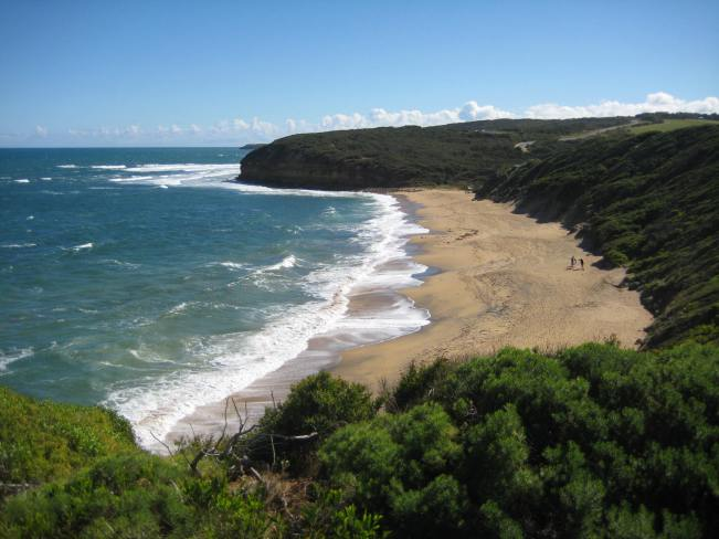 the big waves at Bells Beach, one of the sights along the Great Ocean Road
