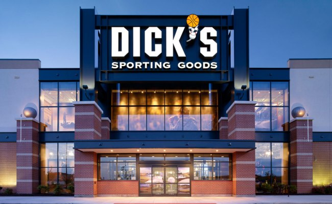 Dick S Sporting Goods 3 Day Grand Opening At Shoppes At