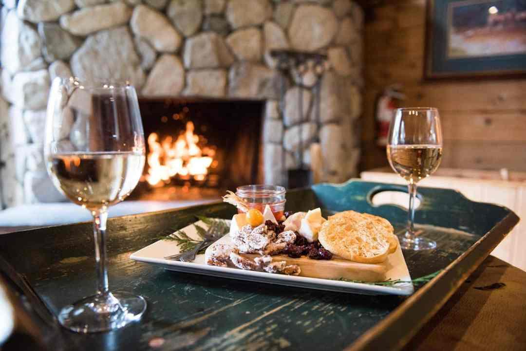 wineglassesfireplace