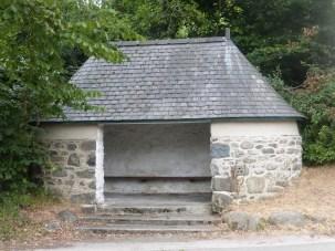 Rowen bus shelter