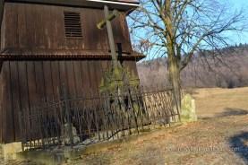 przycerkiwena kapliczka i krzyż