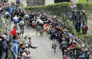 podjazd na trasie Vuelta al Pais Vasco