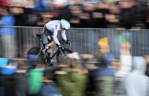Geraint Thomas w drodze po zwycięstwo na 1 etapie TdF