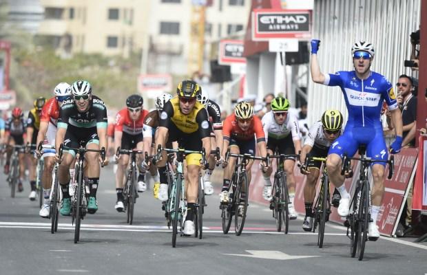 Elia Viviani na kresce 2. etapu Abu Dhabi