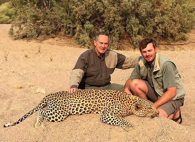 leopard-makadi-safaris-04