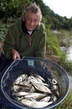 Tony Bennet with a monster bag of silvers