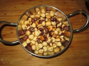 roasted peeled hazelnuts