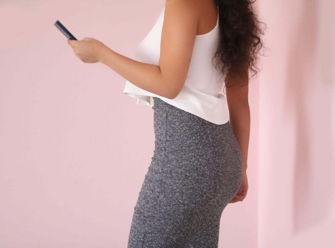 flared-top-evazat-larg-alb-white-topfashion-pareri-tinuta-business-casual-smart-idei-birou-roxi-rose-blogger-fashion-4