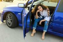 roxi rose fashion blogger timisoara blog romania blue evolution car auto cinemacity popular jeans blugi traditionale motive (1)