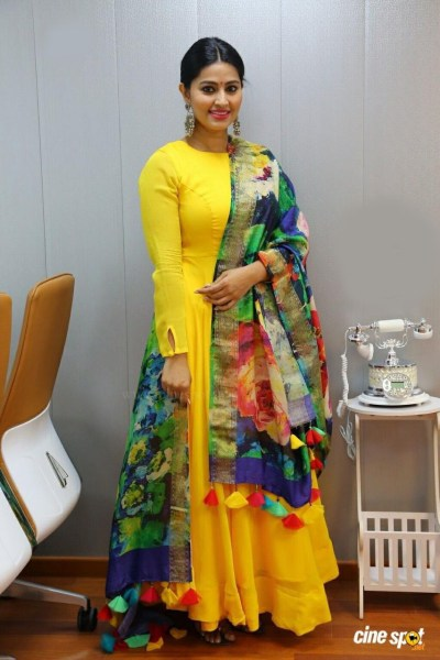 yellow-color-high-quality-rayon-kurti-with-japan-crap-designer-print-dupatta