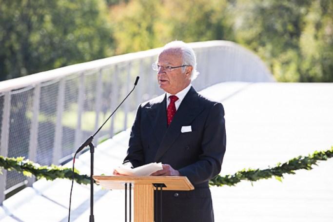 King and Queen of Sweden open Folke Bernadotte Bridge