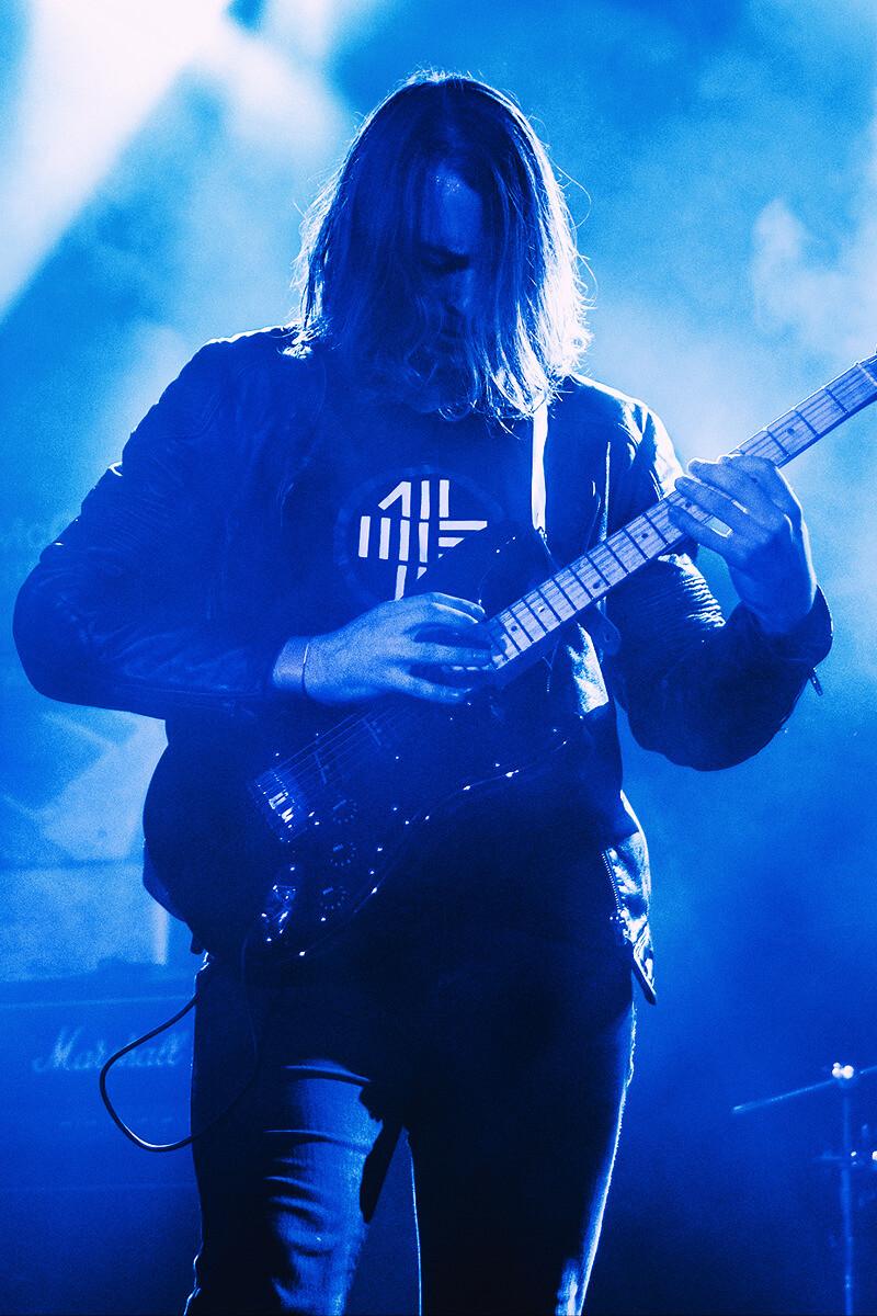 Guitar master Dylan Hennessy