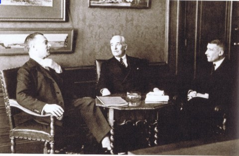 Royal Dutch Shell Group directors J.B.A.Kessler (left) in conversation with Henri Deterding (centre) and J.E.F. de Kok. All three served at different times as Shell DG.