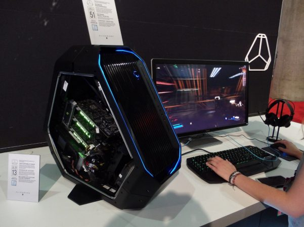 E3_2016_Alienware_08_marked