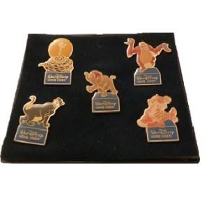 5 pin's le Livre de la Jungle Walt Disney homevideo en coffret.