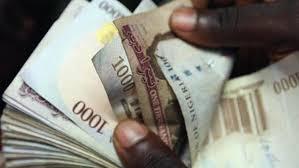 Policeman gets N100,000 reward for returning accident victim's N1.2m
