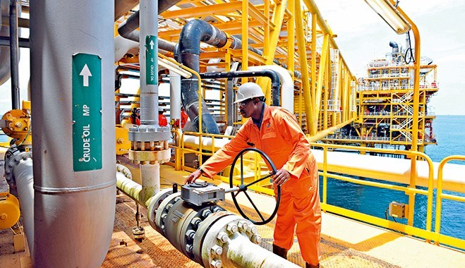 Senate probes oil and gas exploration contracts
