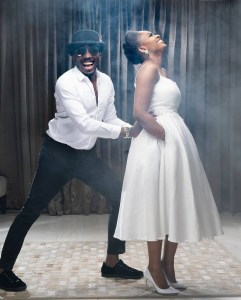 Comedian Bovi and wife celebrate their wedding anniversary (photos)