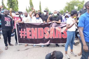 #SARMUSTEND protesters sing Davido's Fem to Governor Sanwo-Olu as he addressed them at Alausa (video)