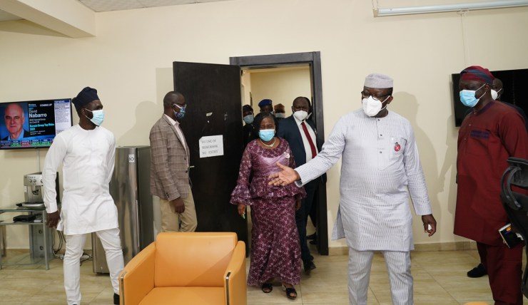 Fayemi pays unscheduled visit to offices, commends Ekiti workers for dedication