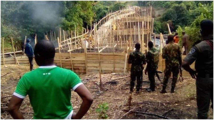 Ogun Govt demolishes N20m bridge built by unknown persons