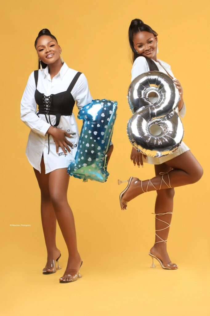 Stunning Nigerian twin sisters mark their 18th birthday with beautiful photos; people are in awe of their age!