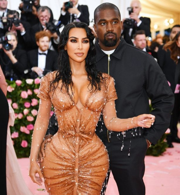 Kanye West blocks Kim Kardashian by changing his phone numbers, making her go through security to reach him