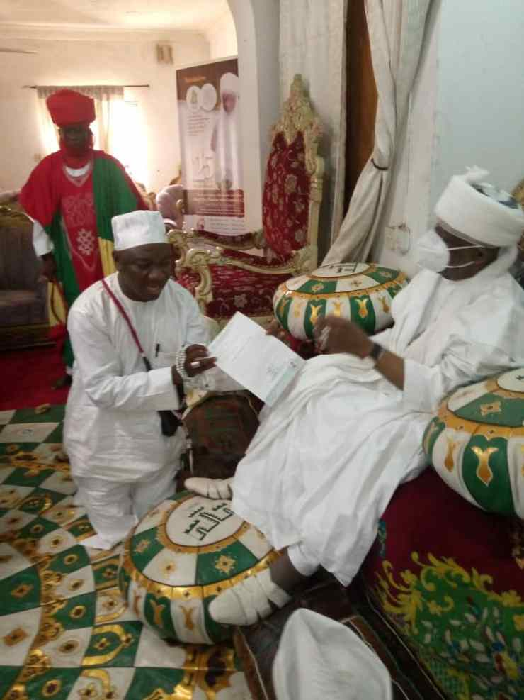 JUST IN....Emir of Ilorin prays for new Olupo- Ajasse Ipo